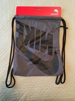 Nike Heritage String-bag DARK GRAY/BLACK DRAWSTRING BAG BACK